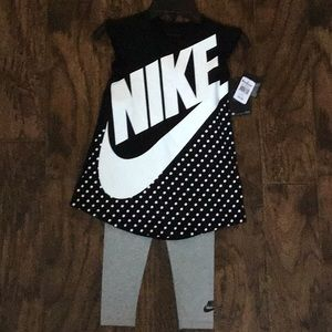 NEW with tags!!! Nike tunic and leggings size XS